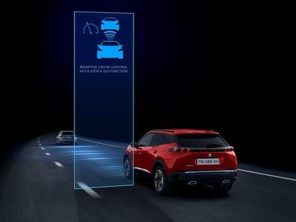 Nuevo SUV Peugeot 2008 para profesionales: Tecnología de conducción semiautónoma con regulador de velocidad adaptativo, función Stop & Go y asistente de mantenimiento de carril