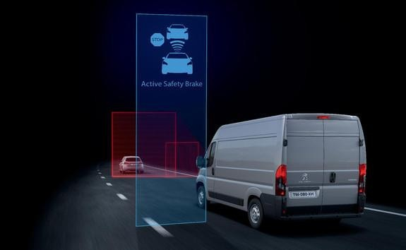Ayudas a la conducción del Peugeot Boxer - Active Safety Brake