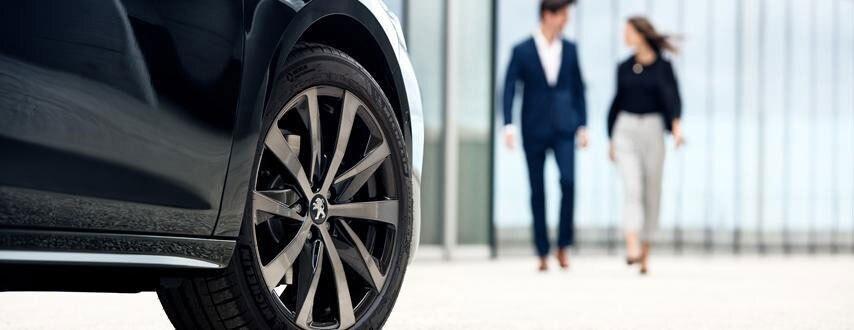 Financia tu vehículo eléctrico comercial Peugeot