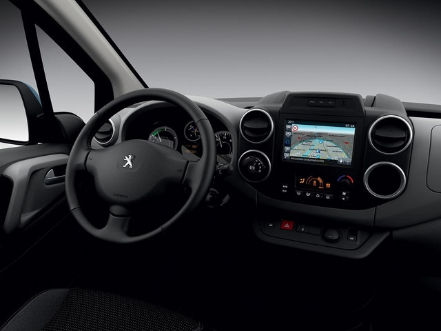 /image/51/4/peugeot-partnerelectric-homepage-03.160993.272514.jpg