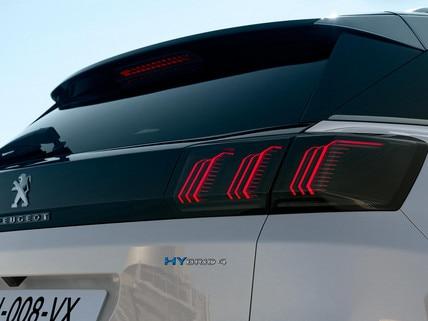 Nuevo SUV PEUGEOT 3008 HYBRID – Insignia HYBRID4