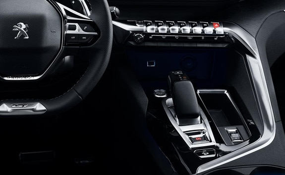 PEUGEOT 3008 HYBDRI4: Un i-Cockpit® adaptado para la conducción en modo híbrido enchufable