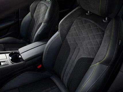 Nuevos 508 y 508 SW PEUGEOT SPORT ENGINEERED: asientos de sujeción optimizada «comfort-fit».